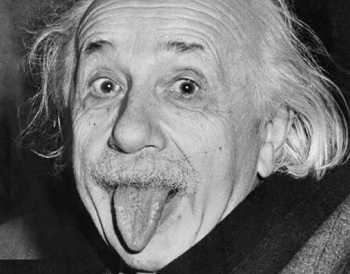 Papy Einstein tire la langue